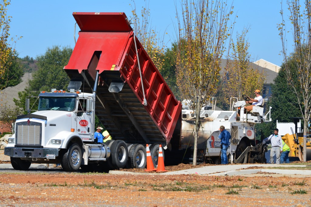 01. A Truck delivers Binder material to a LENDON Crew. _0722